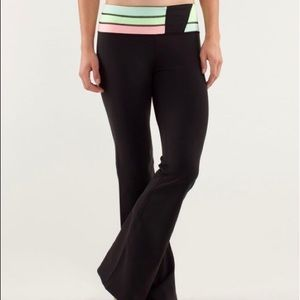 Lululemon Groove Color Block Yoga Pants!